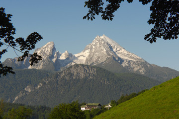 Berg Watzmann in Berchtesgaden mit Haus am Hang
