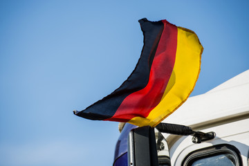 Deutsche Fahne im Wind