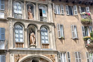 altes Wohnhaus in Mailand