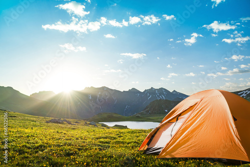 Foto op Canvas Kamperen camping in mountains