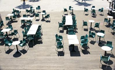Terraza de un bar vacía, Villa Olímpica, Barcelona