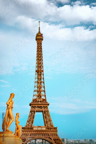 Eiffel Tower - 66542793
