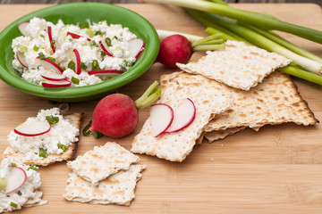 Cottage cheese with radish,chives and crackers