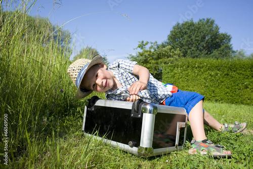 canvas print picture kleiner Junge auf Landurlaub