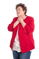 Ältere Frau isoliert mit Atemnot bei einem Infarkt