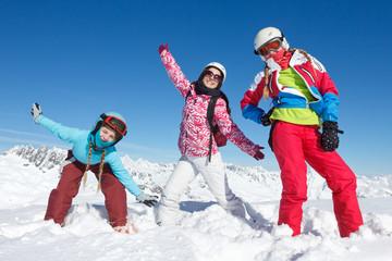 Equipe de ski famille