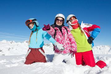 Portrait famille vacances ski neige