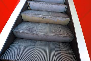 Escaltors, moving stairway