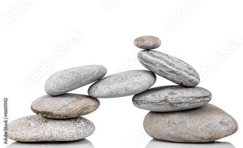 gruppo di pietre in fondo bianco