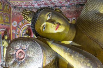 buddha images in dambulla