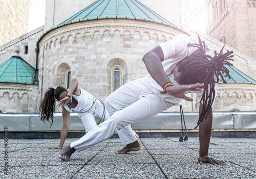 Deurstickers Vechtsport Young pair capoeira partnership ,spectacular sport
