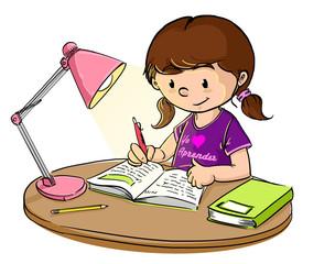 Niña estudiando con lampara de escritorio