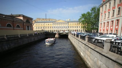 travel on canals of St. Petersburg Film Tilt