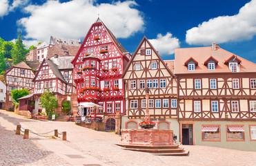 Hübscher alter Marktplatz im fränkischen Miltenberg am Main