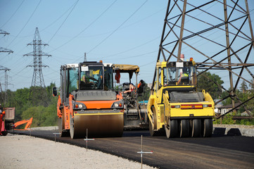Rolling machineries making asphalt