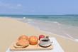 美しいビーチと朝食セット