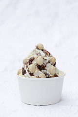 Frozen Joghurt weiße Schokolade