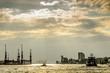 Leinwandbild Motiv Gewitterstimmung ueber dem Hafen in Hamburg