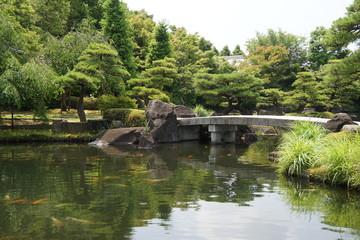 好古園 新緑の大池