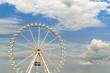 canvas print picture - Weisses Riesenrad vor bewoelktem Himmel