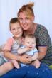 Jeune maman et ses enfants