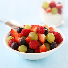 Healthy snack: berries and fruits