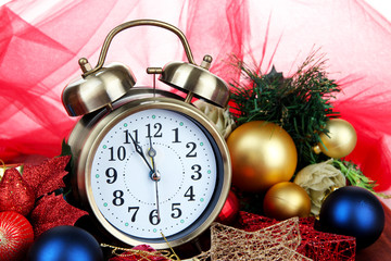 Alarm clock with Christmas decorations