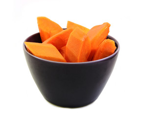 Papaya ripen slided in bowl