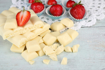 White chocolate bar with fresh strawberries,