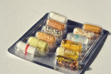 Filtered picture of capsule pills