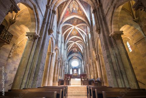 In de dag Temple Interior of Pannonhalma basilica, Pannonhalma, Hungary