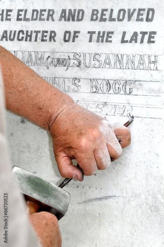 Keuken foto achterwand Begraafplaats Stonemason Engraving Marble Gravestone