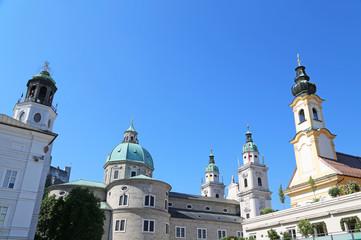 Blick vom Mozartplatz auf Dom