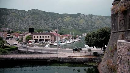 Mooring yachts. Fortress.