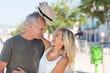 Leinwanddruck Bild - lachendes best-ager paar hat spaß