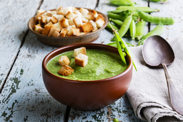puree soup with green peas