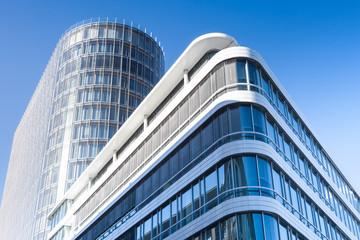 modernes Bürogebäude in Deutschland  - Hochhaus