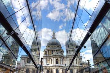 UK, England, London, St. Paul's Cathedral reflection