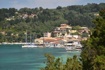 Paxos ed uno scorcio dell'isola greca