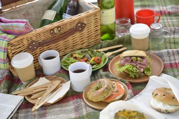 ベーグル サンドイッチ ピクニック