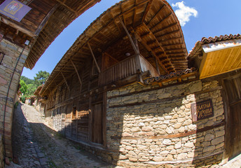 Stone and wood in the Bulgarian architecture