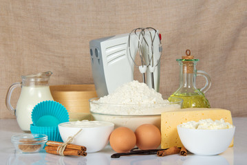 Set of products for baking and mixer