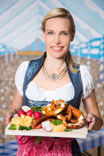 canvas print picture Frau in Tracht