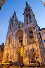 Anvers - Saint- George Church (Joriskerk) au crépuscule