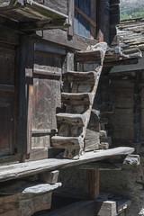 """Holzstiege im """"alten Zermatt"""""""