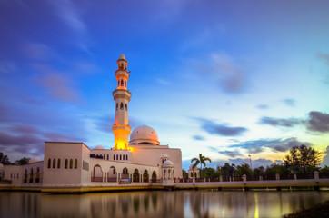 Tengku Tengah Nur Zaharah Mosque