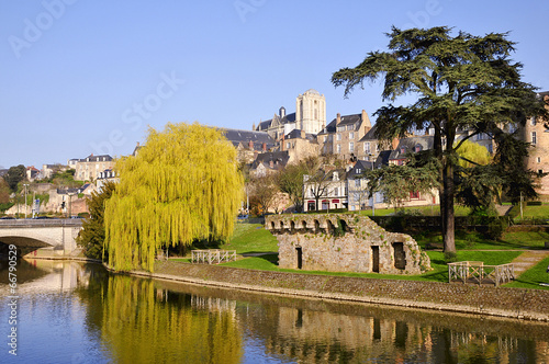 The river Sarthe at Le Mans in France - 66790529