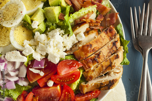 Tuinposter Voorgerecht Healthy Hearty Cobb Salad