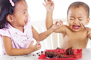 Cake War