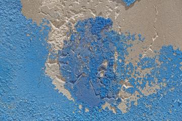 Abblätternde blaue Farbe auf Wand als Hintergrund